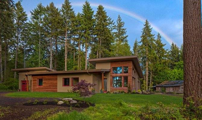 Artisans Group Completes Contemporary Passive House