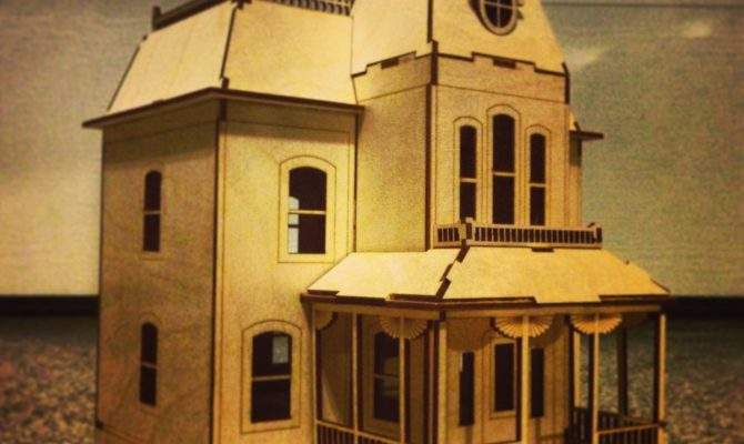 Bates Motel House Kit Miniature Model