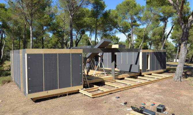 Cheap Recyclable Passive House Assembles Like Lego