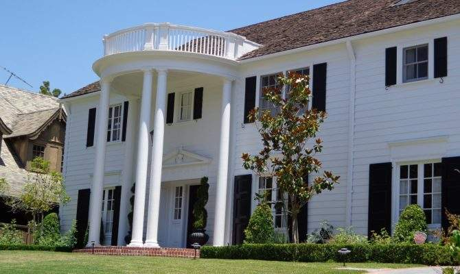 Colonial Style Homes Characteristics Make