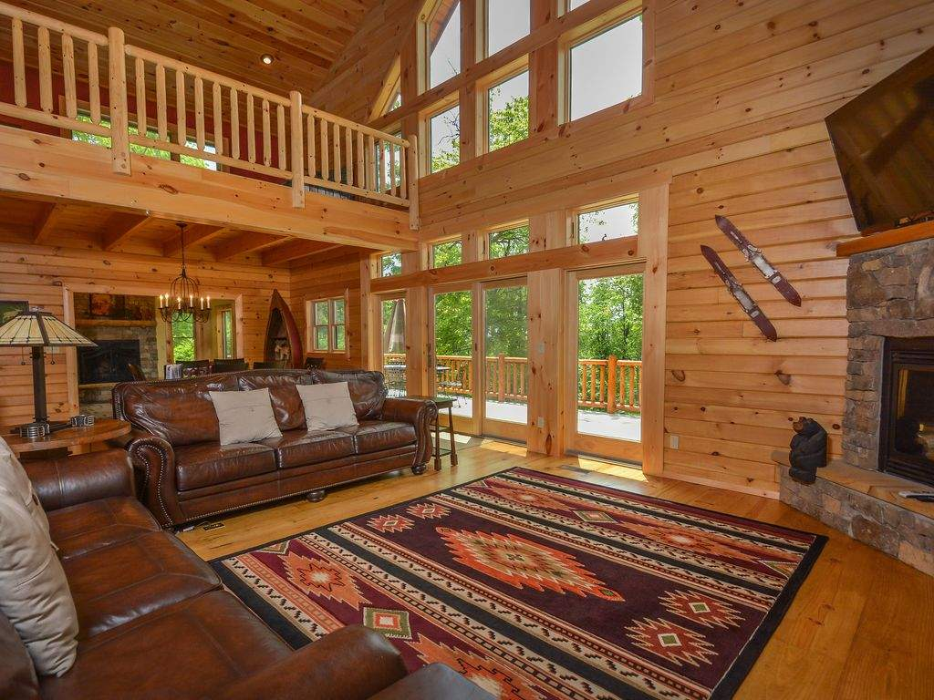 Exceptional Bedroom Log Home Luxury Accomodations