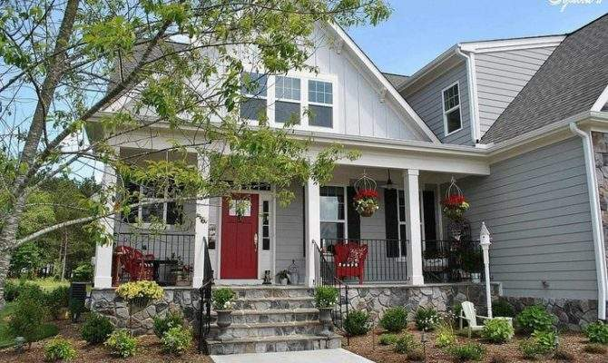 Farmhouse Style Front Porch Pops Red