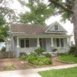 Front Yard Includes Cottage Garden Gardens Come All