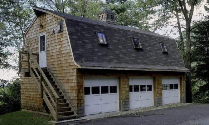 Gambrel Bay Garage Efficiency Apartment Above
