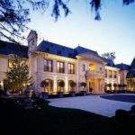 House Day Gigantic Mansion Chicago Can Yours