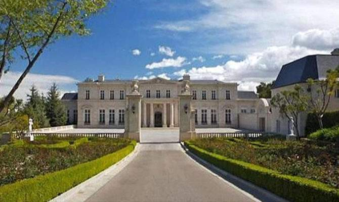 Huge Mansion Fetches Hollywood Record Price Cbs News