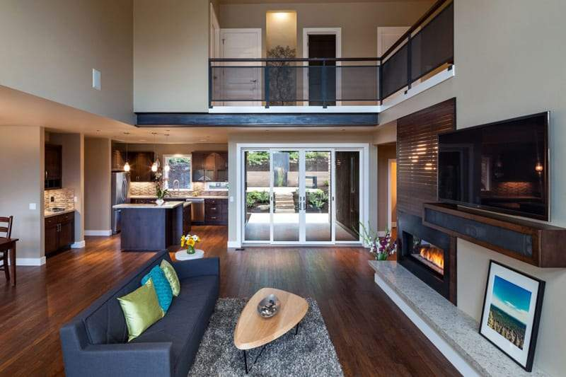 Luxurious Multi Level House Crest Meadows Residence