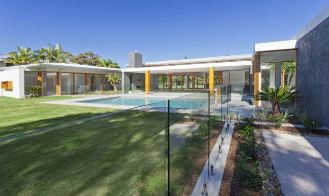 Modern Home Designs Exhibiting Design