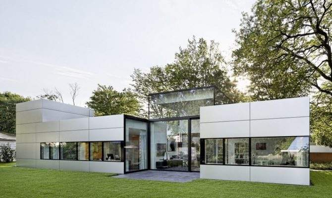 Modern Single Story Cubical House Metal Facade Cologne