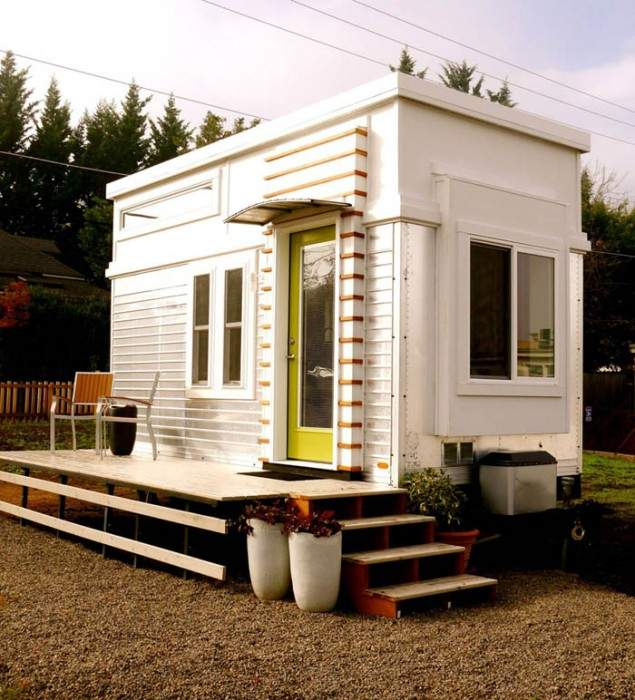 Refreshing Unique Contemporary Style Tiny Home