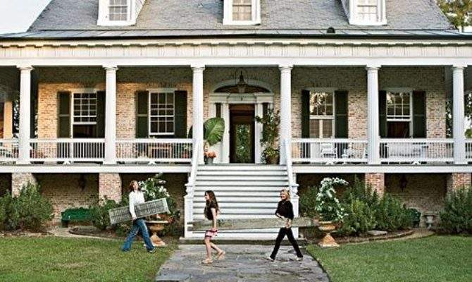 Southern Home Adore Long Front Porches Inspiration