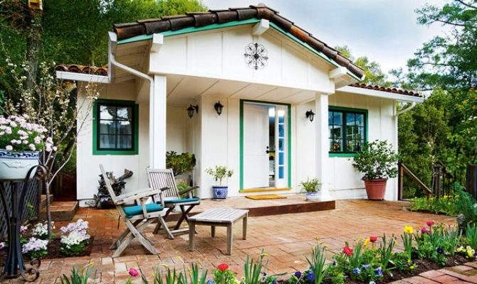 Spring Cottage One Bedroom Spanish Style