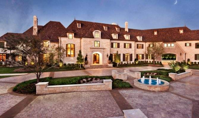 Square Foot Dallas Mega Mansion Market