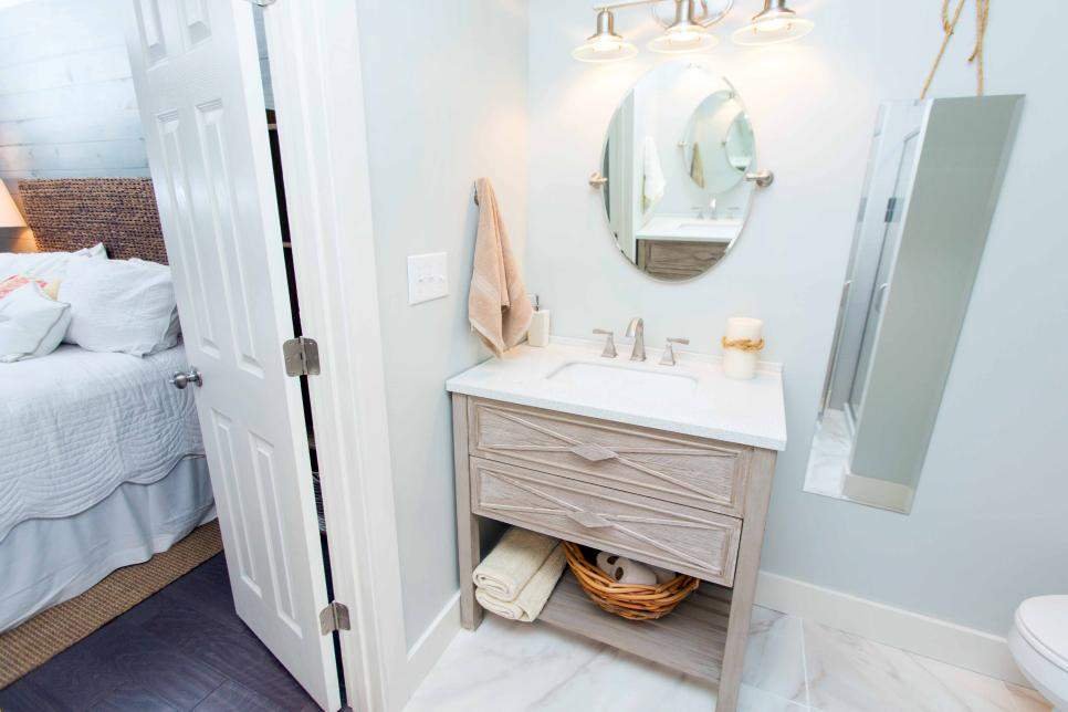 Traditional Master Bathroom High End Finishes Beach Flip Hgtv