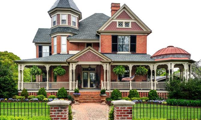 White Picket Fence Adds Additional Charm Beautiful Estate