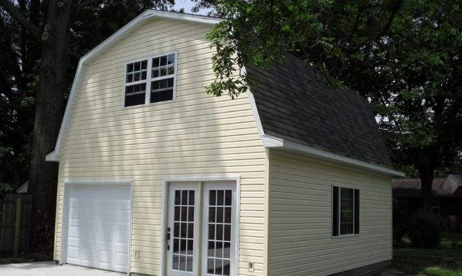 Woodstock Garage Gambrel Roof